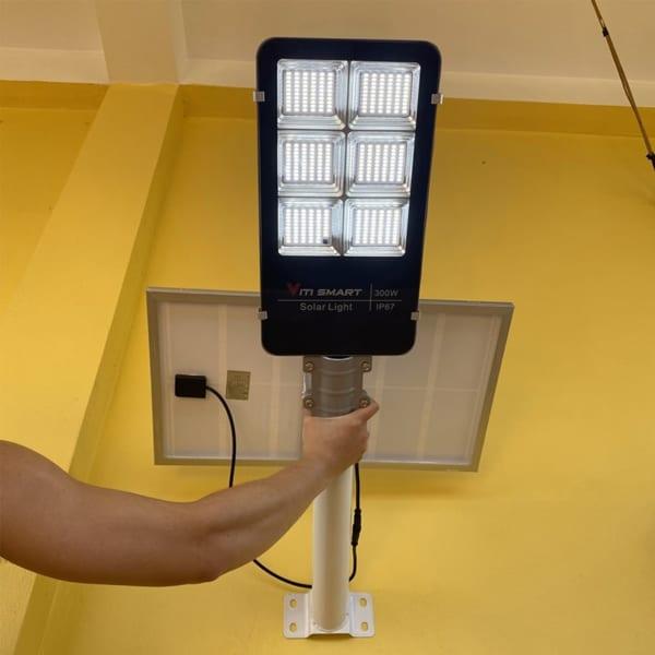 Đèn 300W đường năng lượng mặt trời pin rời - viti smart