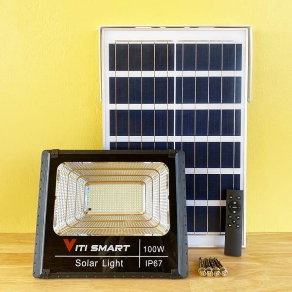 Đèn pha năng lượng mặt trời 100W solar Light