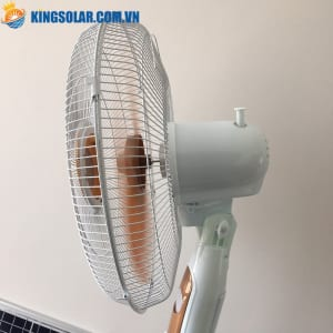quạt năng lượng mặt trời F150