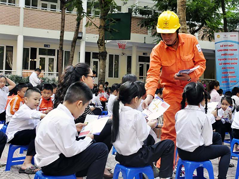 Tổ chức các hoạt động trải nghiệm cho học sinh tiết kiệm điện