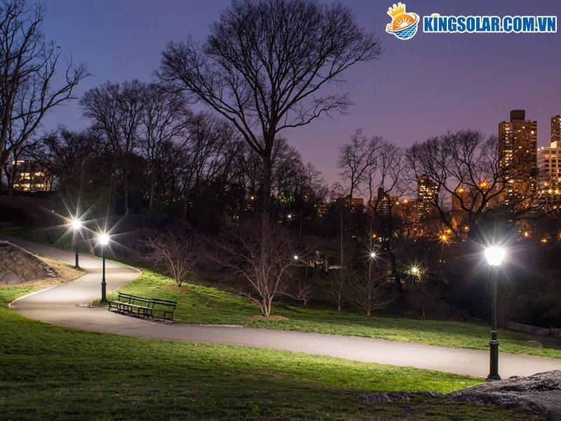 Đèn chiếu sáng năng lượng mặt trời phù hợp cho công viên