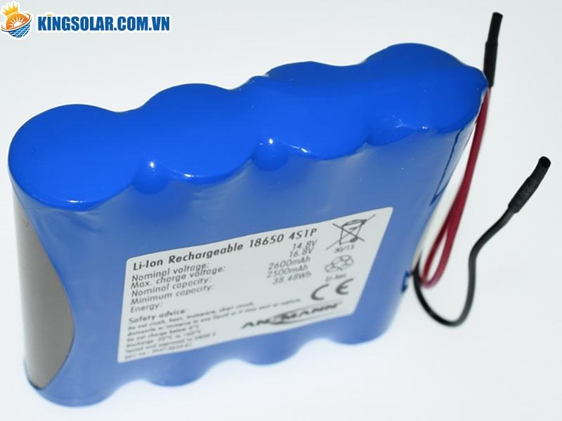 Hướng dẫn thay pin tại nhà cho đèn năng lượng mặt trời