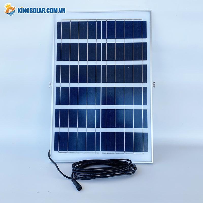 nên sử dụng đèn năng lượng mặt trời pin Mono hay Poly