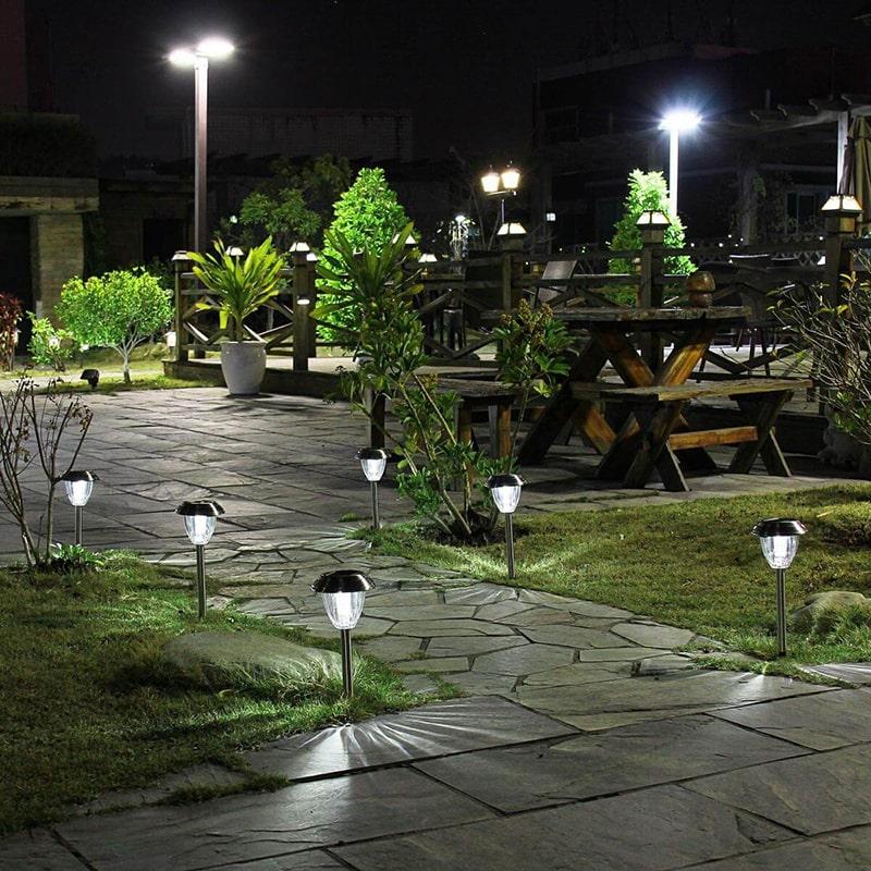 sử dụng đèn trang trí lối đi, đèn sân vườn