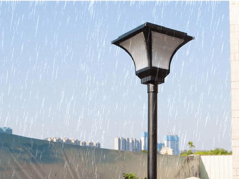 tại sao nên sử dụng đèn sân vườn năng lượng mặt trời chống nước