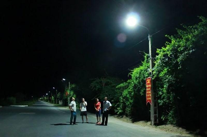 Chiếu sáng đường làng ngõ xóm