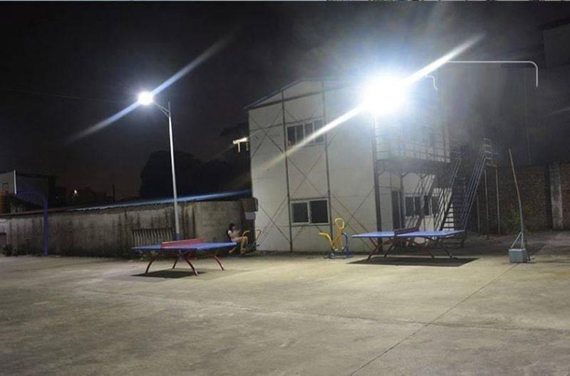 Chiếu sáng sân chơi suốt đêm không tốn điện
