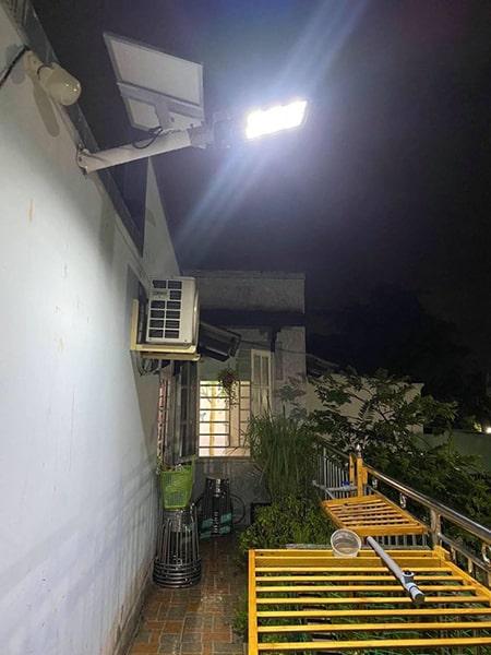 Đèn 300W nlmt chiếu sáng hiên nhà