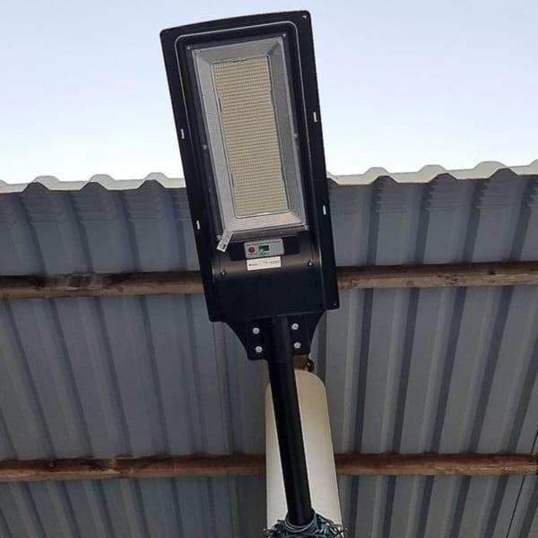 Lắp đặt thực tế đèn 200w liền thể solar light