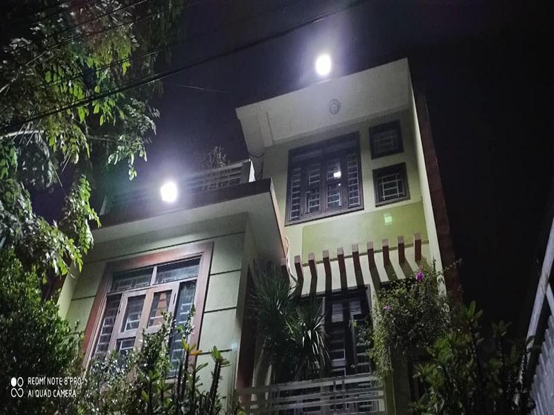 đèn đường năng lượng chiếu sáng ban công
