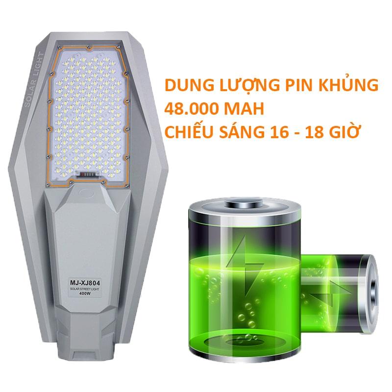 dung lượng pin tích trữ 48.000Mah của đèn năng lượng 400w
