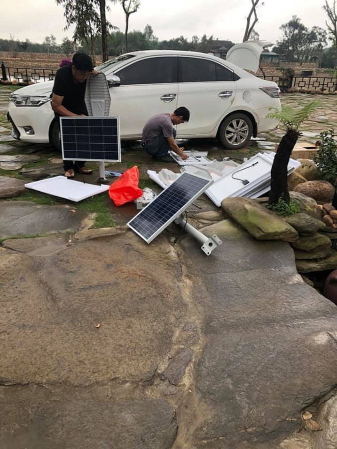 lắp đặt năng lượng mặt trời 400w khu sinh thái