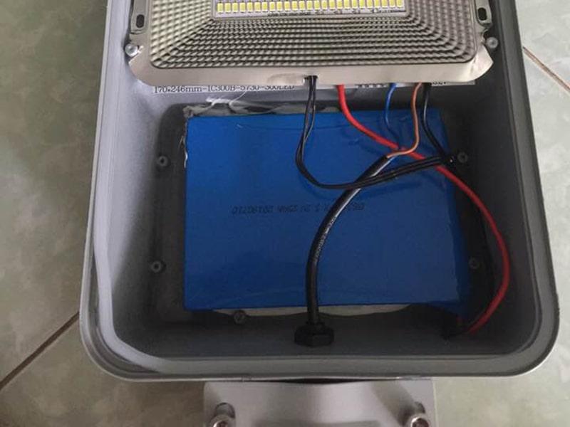 pin dự trữ bóng đèn năng lượng mặt trời