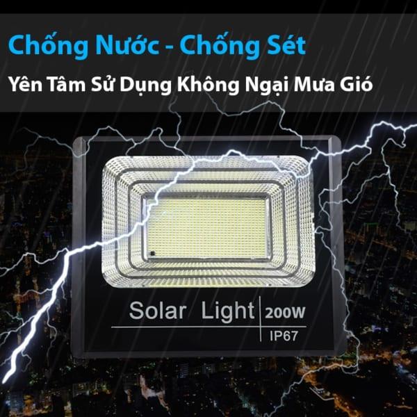 Khả năng chống nước đèn pha năng lượng mặt trời 200w solar night chính hãng